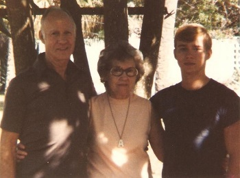 Benteng celebrated Thanksgiving with this family in St. Petersburg, FL. Jerry, the guy on the right, was instrumental in Benteng's Salvation. November 1979