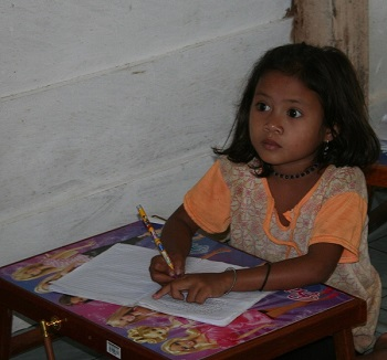 Student in the first jungle school that was started in 2011.